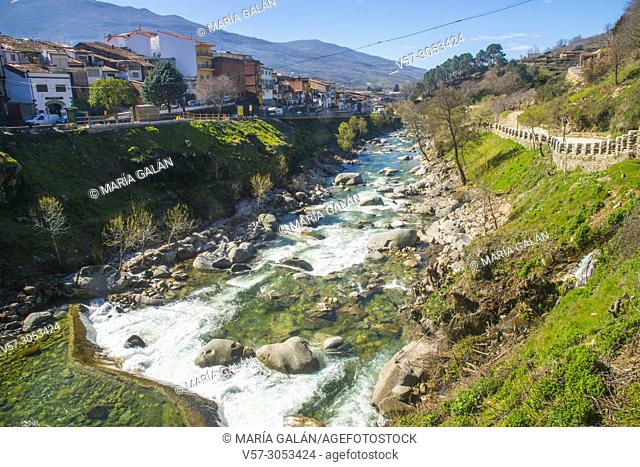 River Jerte and view of the village. Cabezuela del Valle, Caceres province, Extremadura, Spain