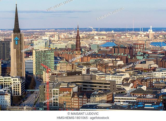 Germany, Hamburg, view from the arrow of St Michel churh on Speicherstadt, listed as World Heritage by UNESCO, HafenCity