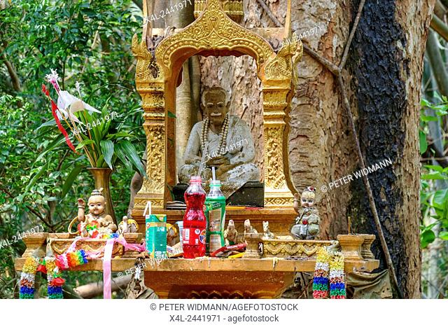 Temple of Wat Phra That Pu Khao, Chiang Saen, Chiang Rai province, northern Thailand, Thailand, Asia