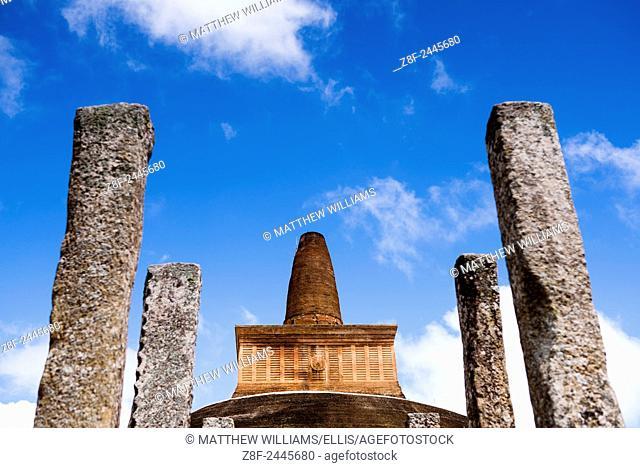 Ancient City of Anuradhapura, Abhayagiri Dagoba at the Abhayagiri Monastery (Abhayagiri Vihara), Sri Lanka, Asia