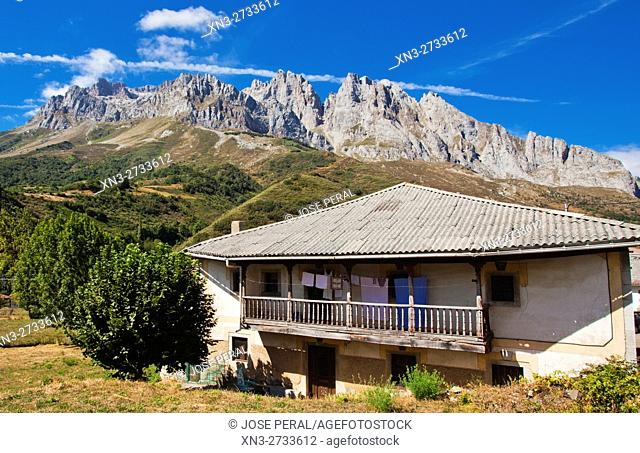 Typical House, Posada de Valdeón, Cares River route between Posada de Valdeón and Cain, Valle de Valdeón, Valdeón Valley, Picos de Europa National Park