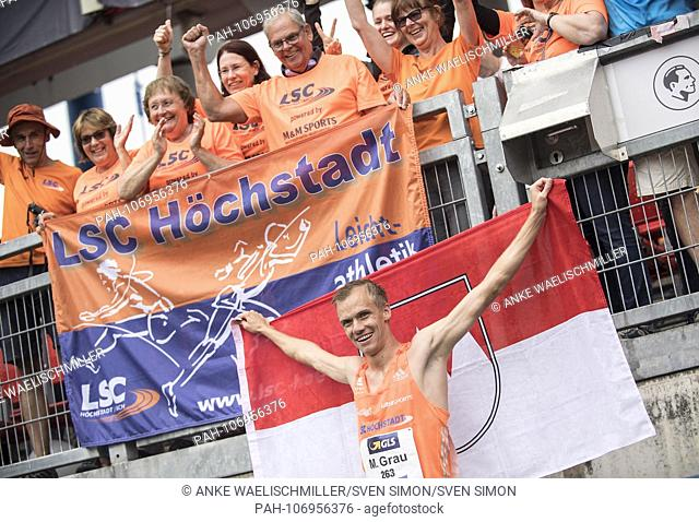 Winner Martin GRAU, LSC Hoechstadt / Aisch, 1st place, among his fans. Final 3000m obstacle of the men on 21.07.2018. German Athletics Championships 2018