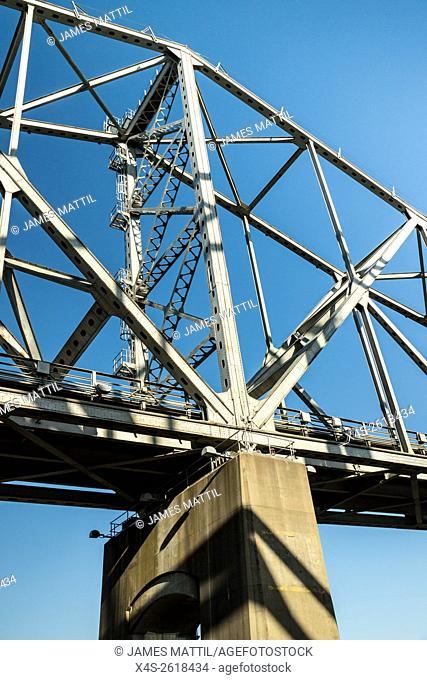 Steel girders support the highway bridge over the Mississippi River at Natchez, TN