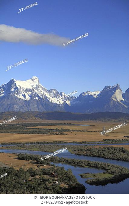 Chile, Magallanes, Torres del Paine, national park, Rio Serrano,