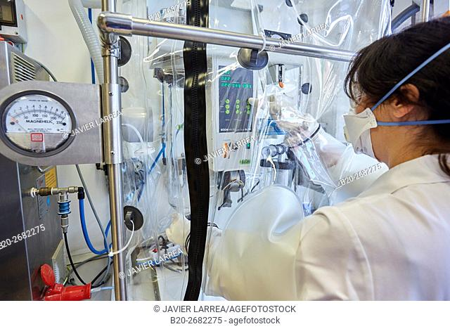 Spray Dryer. Hood. Pharmaceutical Development Laboratory. Pre-formulation, design and development of drugs and new pharmaceuticals