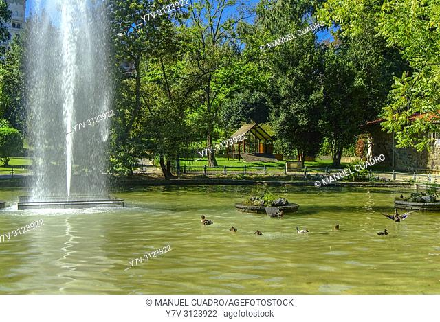 Estanque de los patos. Parque de Doña Casilda, Bilbao, Biscay, Basque Country, Spain