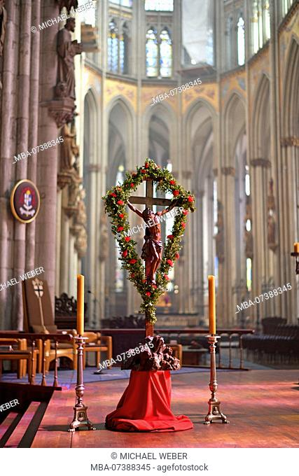 Easter decoration, choir room and altar, Cologne Cathedral, Cologne, North Rhine-Westphalia, Germany