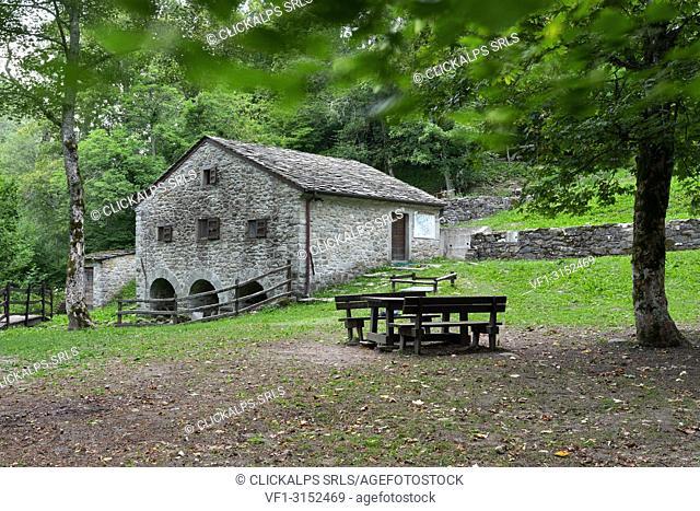 the old water mill in Cerreto Alpi, municipality of Ventasso, Reggio Emilia province, Emilia Romagna district, Northern Italy, Italy, Europe