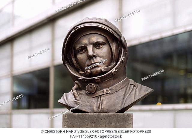 Sculpture of Yuri Gagarin on the grounds of the European Astronaut Center. Koln, 23.12.2018   usage worldwide. - Cologne/Nordrhein-Westfalen/Deutschland