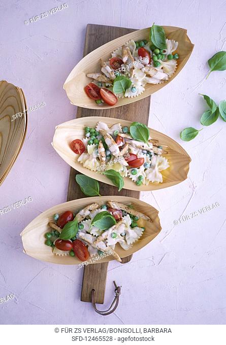 Farfalle and turkey salad