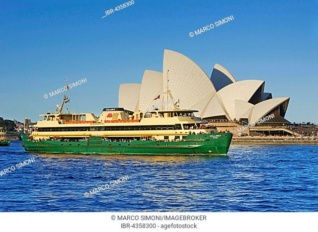 Passenger ship in front of Sydney Opera House, Sydney, New South Wales, Australia