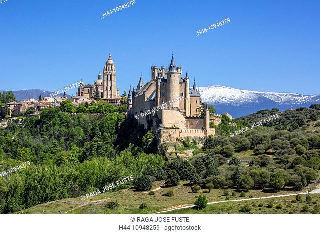 world heritage, Alcazar, Castilla, Castile, Guadarrama, Mountain Range, Segovia, architecture, castle, cathedral, city, colourful, flowers, history, snow, Spain