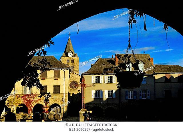 14th century square, Sauveterre de Rouergue, Aveyron, Midi-Pyrenees, France