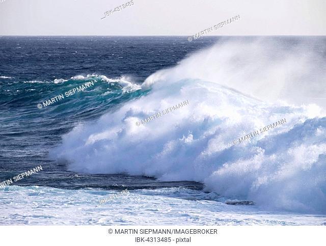 Ocean wave, spray, Atlantic, Valle Gran Rey, La Gomera, Canary Islands, Spain