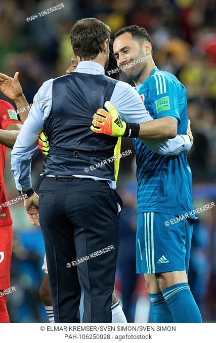 Gareth SOUTHGATE (left, coach, ENG) gives goalie David OSPINA (COL) the hand, thanks, thanking, consolation, comforting, consoling, frustrated, frustrated