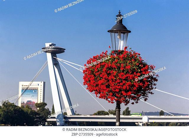 Bridge of the Slovak National Uprising (SNP) with UFO restaurant, riverside, Danube, Bratislava, Slovakia, Europe