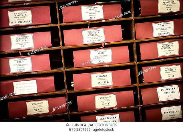 File folders scores of music of different genres. Sardanes, pel.lícules, Quintets, sextets, Trios, Beethoven. Beethoven House, Las Ramblas, Barcelona, Catalonia