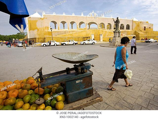 Orange seller. Monastery of St. Antony of Padua. Izamal. Yucatan. Mexico