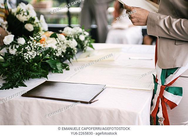 Mayor of Italian town presides over wedding