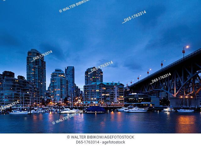 Canada, British Columbia, Vancouver, Granville Island, city view with Granville Bridge, dusk