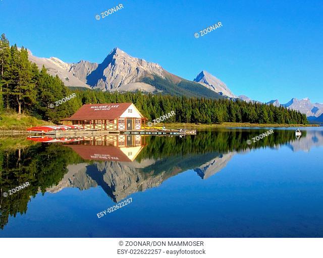 Maligne lake, Jasper national park, Alberta, Canad