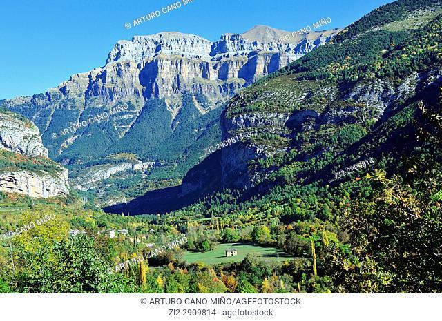 Mondarruego Peak or Punta Escuzana, 2.845 mts. on Valley of Ara. Valley of Ordesa and Monte Perdido National Park. Aragonese Pyrenees