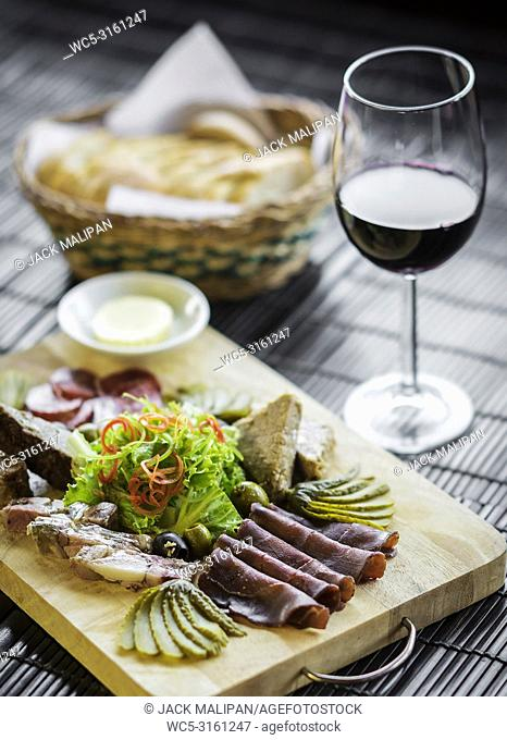 organic smoked french charcuterie meats and pate tapas snack platter set