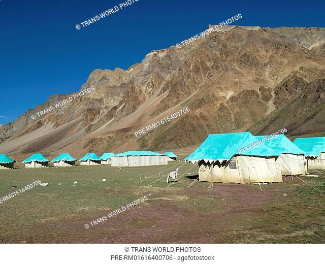 Overnight Camp, Sarchu, Manali-Leh Highway, Lahaul and Spiti, Himachal Pradesh, India / Zeltlager, Sarchu, Manali-Leh Highway, Lahaul und Spiti