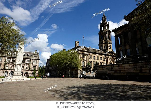 The cenotaph sessions house courthouse and Harris Museum and Art Gallery in market square Preston England UK