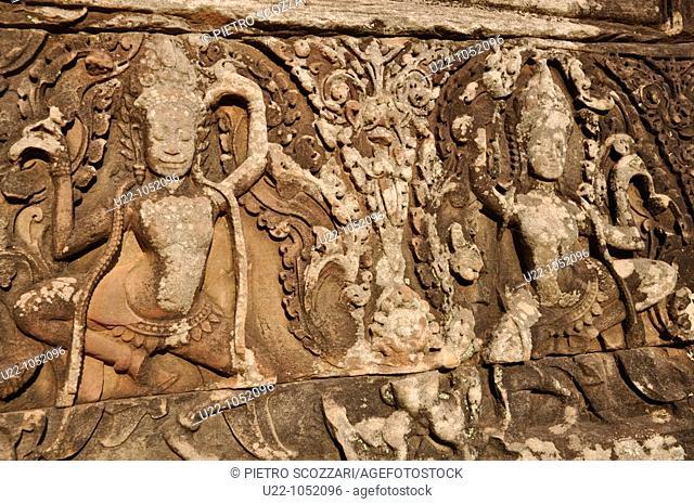 Angkor (Cambodia): apsaras bas-relief at the Bayon
