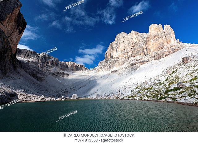Lake Pisciadù on the trekking high route 2 in the Dolomites, Alps, Italy, Europe