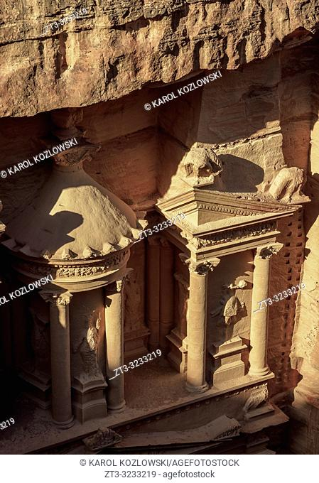 The Treasury, Al-Khazneh, detailed view, Petra, Ma'an Governorate, Jordan