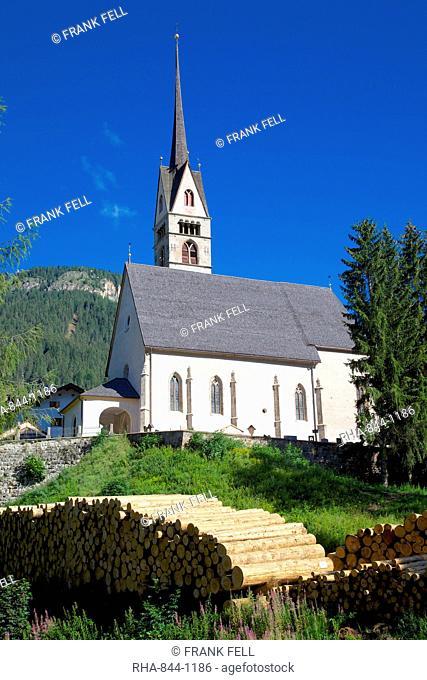 Church, Vigo di Fassa, Fassa Valley, Trento Province, Trentino-Alto Adige/South Tyrol, Italian Dolomites, Italy, Europe