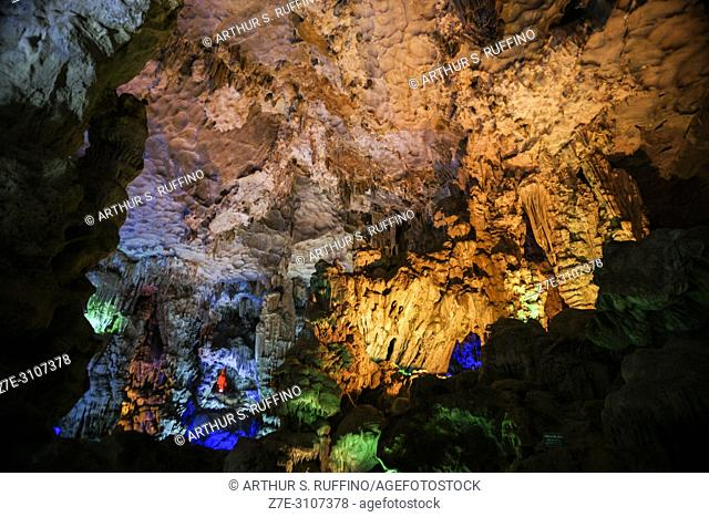 Colorfully illuminated stalactiites and stalagmites in Dau Go Cave, Ha Long Bay, UNESCO World Heritage Site, Quang Ninh Province, Vietnam, Southeast Asia