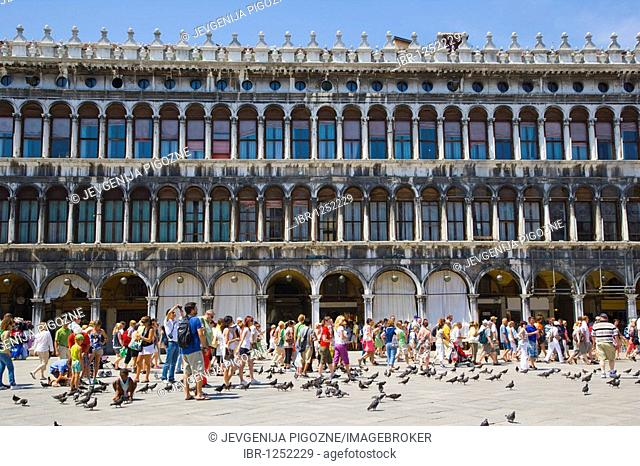 Detail of the Procuratie Vecchie, Piazza San Marco, St Marks Square, Venice, Italy, Europe