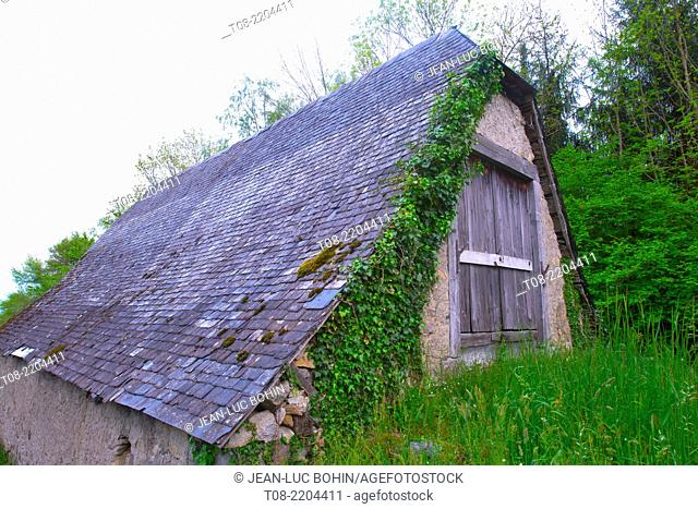 france,65,hautes pyrénées , azun valley : barn