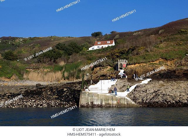 United Kingdom, Channel Islands, Herm Island, ferry pier
