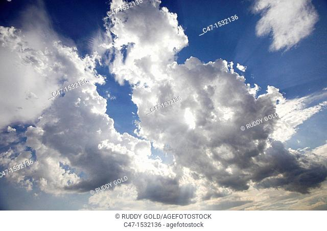 Spain, Catalonia, Lleida province, Vinaixa, Cumulus clouds formations