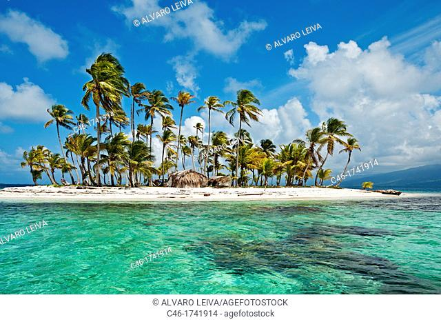 Sichirdup island isla Hormiga, San Blas Islands also called Kuna Yala Islands, Panama