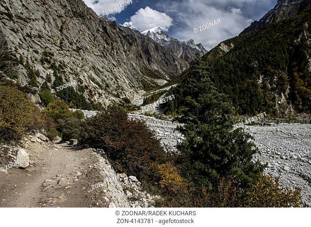 Pathway in the Bhagirathi valley