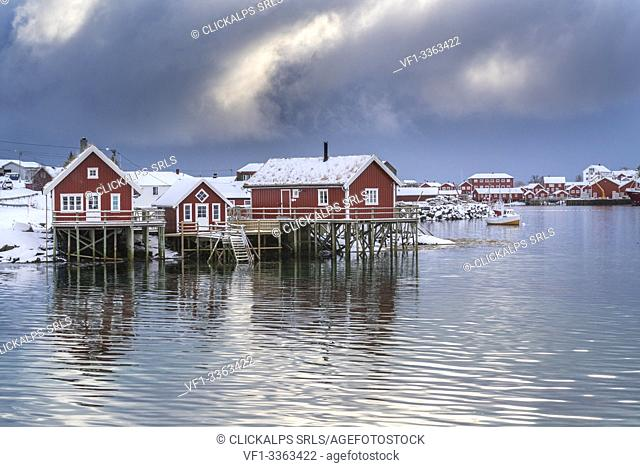 Traditional 'rorbu' houses in winter. Reine, Lofoten district, Nordland county, Northern Norway, Norway