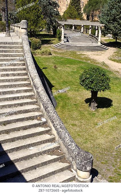 Gardens beside the reservoir of Entrepeñas, La Alcarria, Guadalajara province, Castilla-La Mancha, Spain