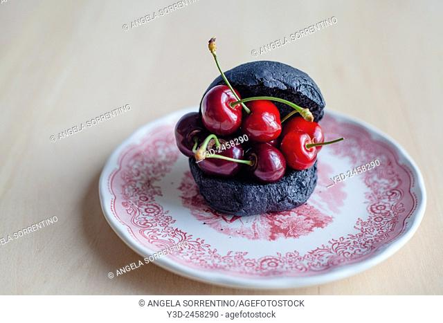 Black bread and cherries