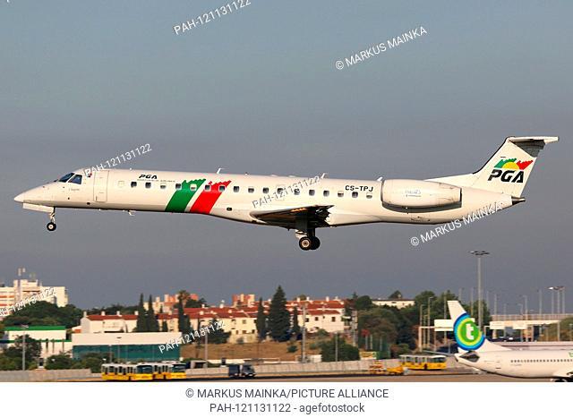 Lisbon, Portugal - 10. July 2013: PGA Portugalia Airlines Embraer ERJ145 at Lisbon airport (LIS) in Portugal. | usage worldwide. - Lissabon/Portugal