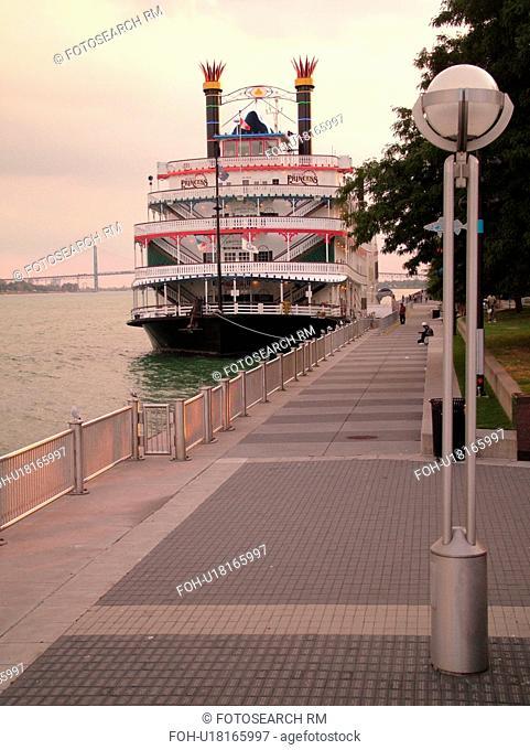 Detroit, MI, Michigan, Riverfront, riverboat, Detroit River