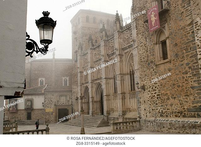 Main square and facade, Royal Monastery of Santa Maria of Guadalupe, XIV Century, Guadalupe, province of Caceres, Extremadura, Spain