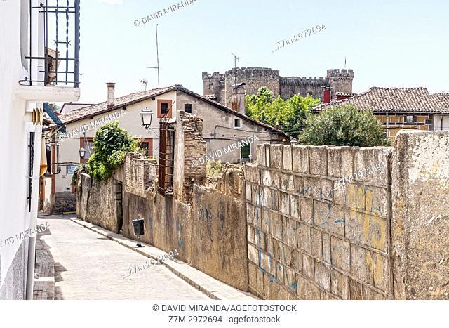 Castillo de los duques de Alburquerque en Mombeltrán. Barranco de las cinco villas. Valle del Tiétar. Provincia de Ávila, Castile-Leon, Spain