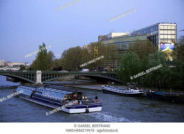 France, Paris, banks of the Seine River listed as World Heritage by UNESCO, Institut du Monde Arabe Arab World Institute by architect Jean Nouvel and...