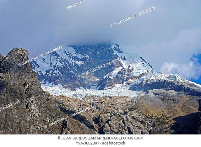 Nevado Huascarnan from Laguna Chinancocha, glacier lagoon, 3850 m altitude, Quebrada Llanganuco, Cordillera Blanca, Yungay, Callejon de Huaylas