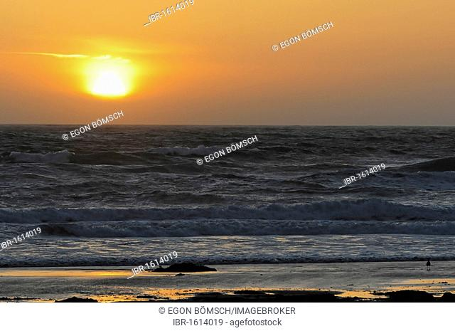 Sunset on the beach at Morro Bay, Pacific Ocean, California, USA, North America